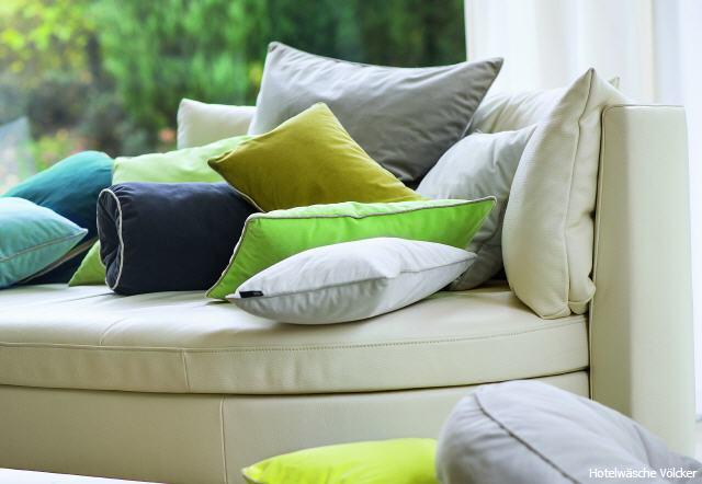 dekokissen bett free wird sich euer ganz sicher freuen das kissen ist in der graae x cm auch fa. Black Bedroom Furniture Sets. Home Design Ideas